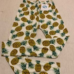 Pineapple🍍Pattern Leggings One Size Fits Most NWT